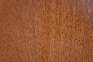 mahagoni-textura-2-300x200